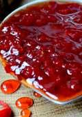 Un dulce ceva mai deosebit – dulceața de ardei iute!