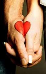 Semne corporale care indică ce tip de relație ai cu partenerul, pentru a ști cât să te implici. Limbajul trupului ascunde detalii despre relația pe care o ai