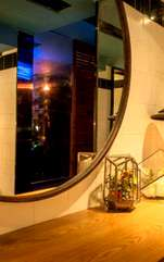Așezate corespunzător, după principiile Feng Shui, oglinzile pot crea minuni: atrag energia, abundența și calmul. Oglinzile pot face minuni prin potențarea