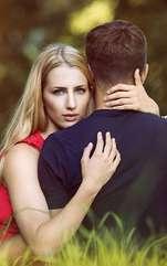 Pe plan sentimental treburile nu merg de la sine, o cină romantică ar putea să reaprindă flacăra iubirii; satisfacții pe plan profesional.