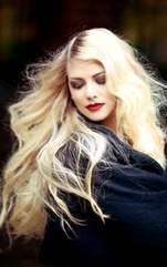 Romantismul este foarte important pentru ea, așa că nu te aștepta să se îndrăgostească repede. Entuziasta femeie Săgetător are nevoie lângă ea de un