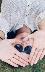 În chiromanție, degetele sunt a doua parte cea mai importantă după palmă. Forma degetelor, semnele și amprentele lor definesc natura și personalitatea