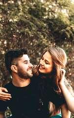 Firi sensibile și romantice, semnele de Apă simt iubirea la un nivel necunoscut multora.  Racul este familist convins și altruist până în măduva oaselor.