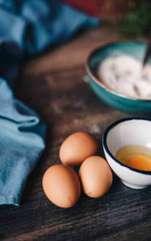 Maioneza este un preparat pe bază de gălbenuș și ulei, nelipsit din salata de boeuf. Însoțește de minune fripturile, sosurile, produsele fierte sau prăjite,