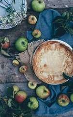 Dacă vă este dor de vară, savurați o tartă cu mascarpone și mere. Pentru că avem mere românești de cea mai bună calitate, nu se poate să nu savurăm una