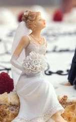 Cei mai cunoscuți protectori ai căsniciei și ai fericirii în casă sunt Sfinţii Mucenici Gurie, Samona şi Aviv. Descoperă o rugăciune puternică, care te va