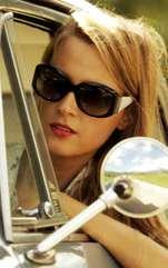 Şoferiţele se comportă foarte diferit la volan, în funcţie de zodia căreia îi aparţin. Care sunt însă specialistele?. Semnele zodiacale generează