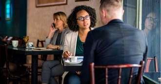 Cele mai mari 3 greșeli de comunicare la prima întâlnire