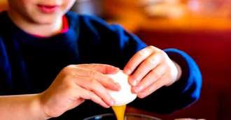 Sarcini în bucătărie pentru copii, în funcție de vârstă