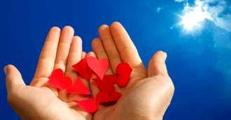 Cum să atragi dragostea folosind 3 amulete binecunoscute