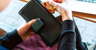Ce poveste spune portofelul tău? Succes sau pierderi de bani?