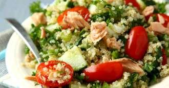 Rețete vegetariene - Salată de quinoa cu năut, sparanghel și sfeclă