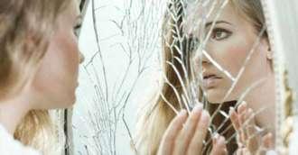 Oglindă, oglinjoară – aducătoare de noroc sau ghinion?