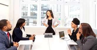 Numerologie la locul de muncă: află cum să te comporți cu șeful!
