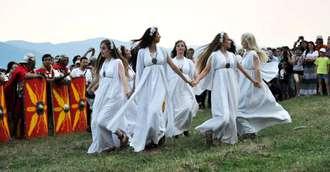 Tradiții în cea mai cunoscută noapte de magie a verii, a Sânzienelor