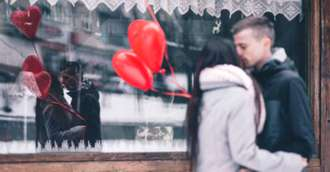Tradiții și obiceiuri de Sărbătoare Iubirii legate de ursit